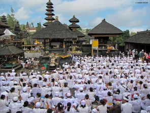 Ceremony @Pura Besakih
