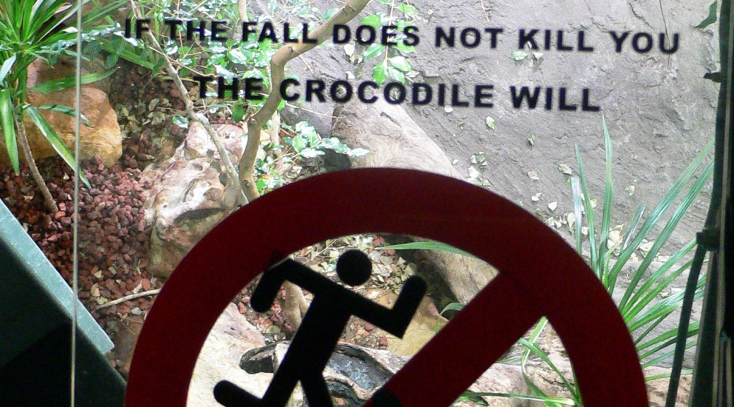 sydney aquarium warnings