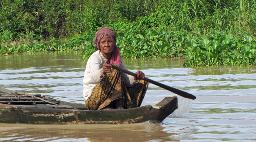 Floating villages cambodia cabiria magni