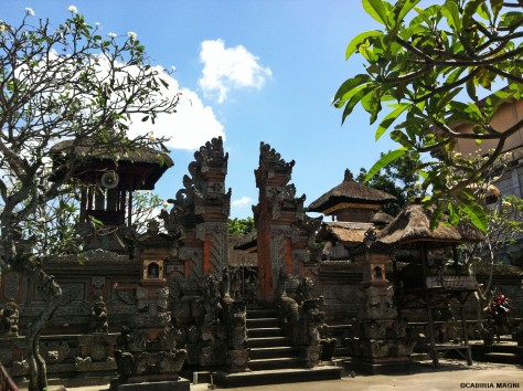 Ubud, walking on the street