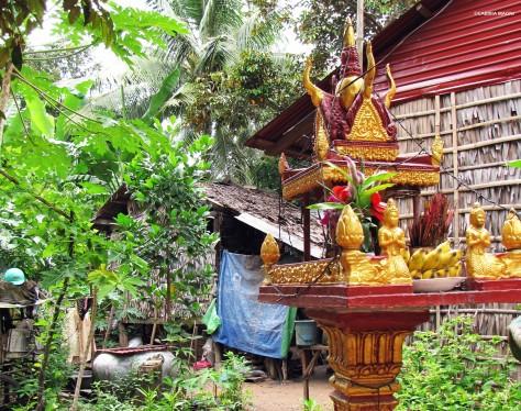 Casa degli spiriti con offerte - Cambogia
