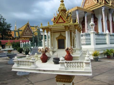 Silver Pagoda - Casa degli spiriti