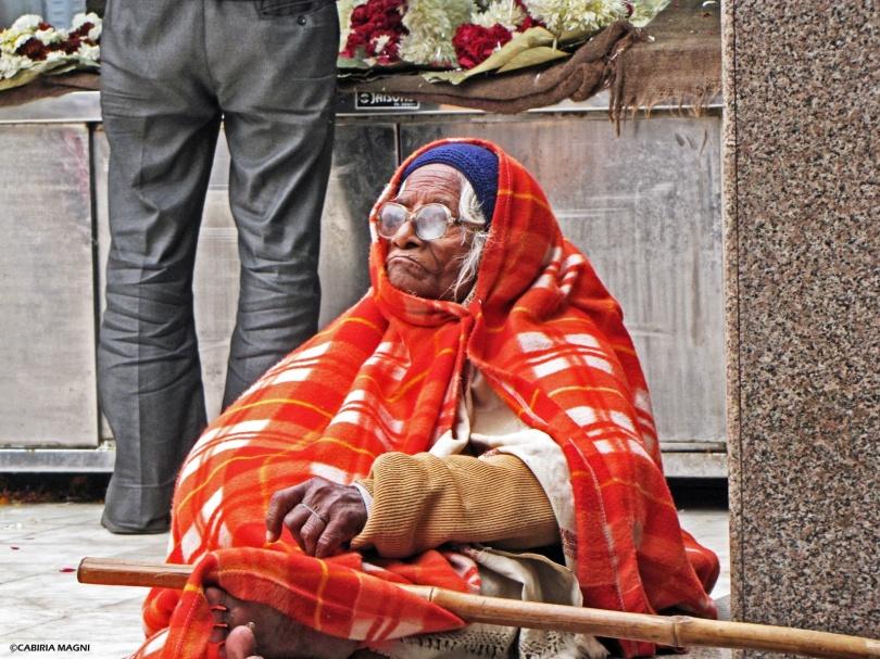 sikh delhi woman temple