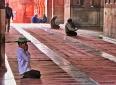 boy prayng muslim