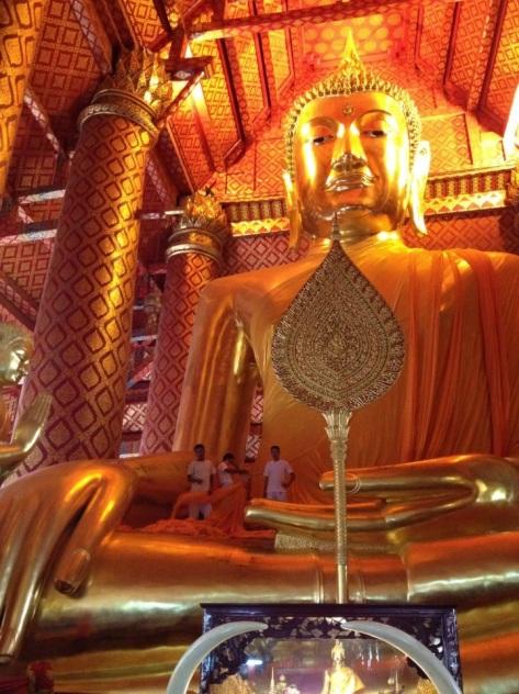 bhumisparsa mudra buddha