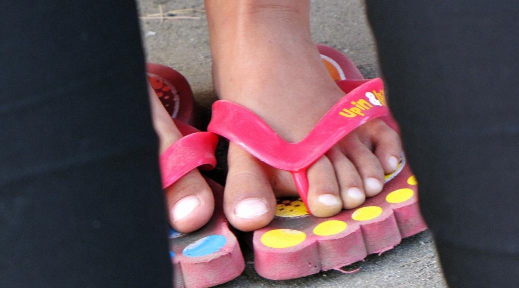 child foot flip flop