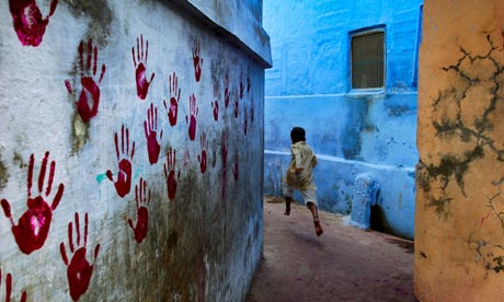 McCurry Boy in mid flight jodhpur