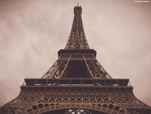 Tour Eiffel, Paris. Cabiria Magni