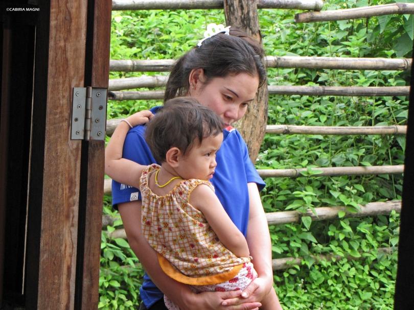 Huay Pakoot: all'uscita della scuola. Cabiria Magni, Thailandia