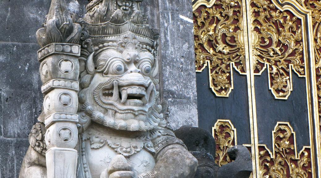 Demoni al Pura Goa Lawah, Bali. Cabiria Magni