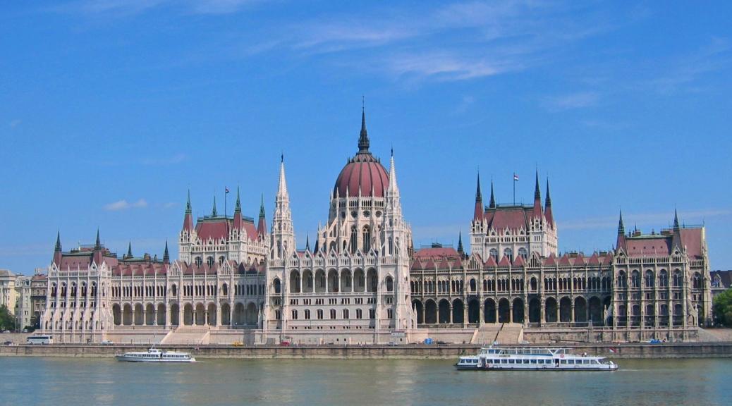 Budapest Parlamento e Danubio
