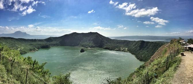 Vulcano Taal, cratere.
