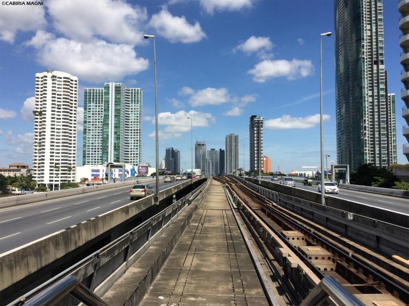 Binari BTS Sky Train Bangkok Cabiria Magni