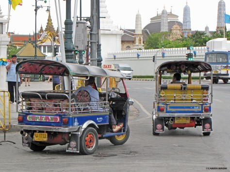 Tuk Tuk fuori dal Palazzo Reale. Bangkok, Cabiria Magni