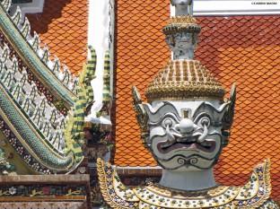 Wat Arun statua. Bangkok Cabiria Magni