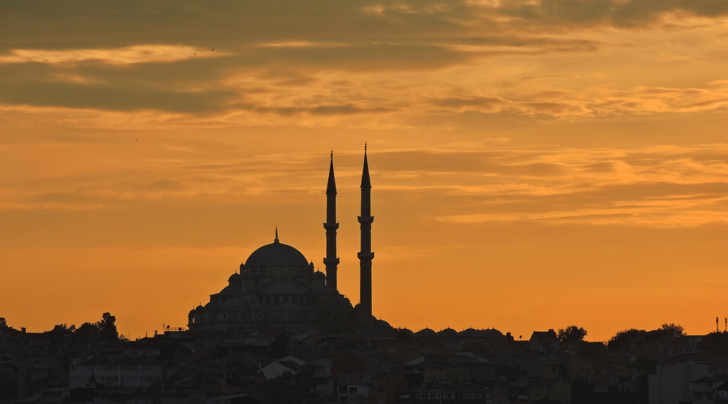 Il profilo di Saultanahmet al tramonto Cabiria Magni Istanbul