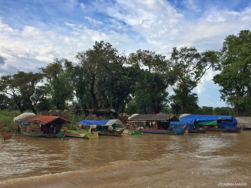 Kampong Phluk, il fiume che porta al villaggio. Cabiria Magni