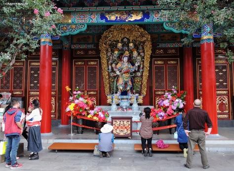 Kunming, interno del tempio Yuantong. Cabiria Magni
