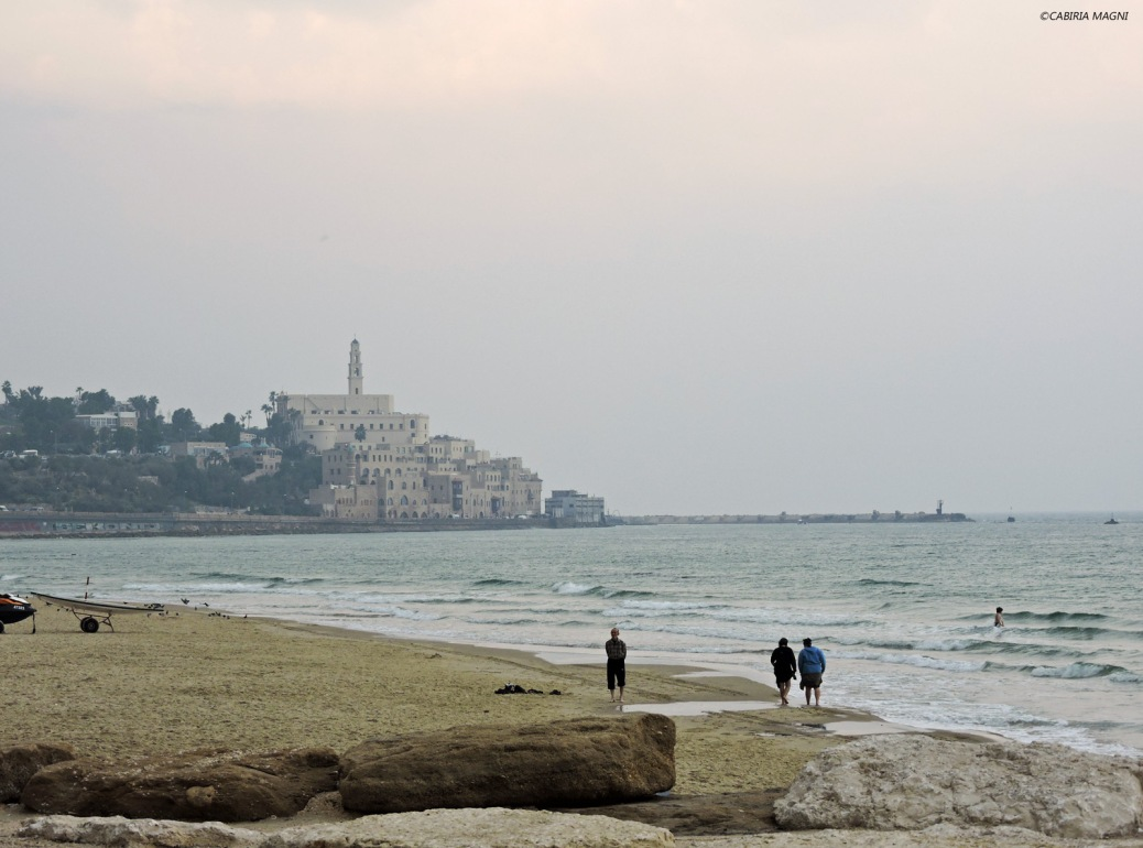 La vista di Jaffa dal lungomare di Tel Aviv. Cabiria Magni