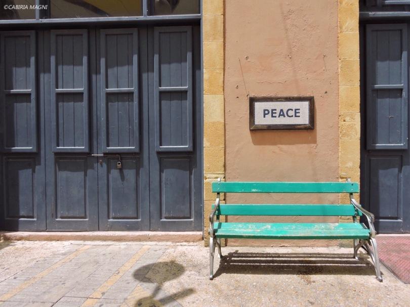 Nicosia, Cipro, Cabiria Magni, panchina, peace
