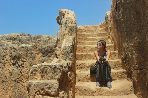 Questa sono io, alle tombe dei re di Paphos (foto di Raffaele). Cipro
