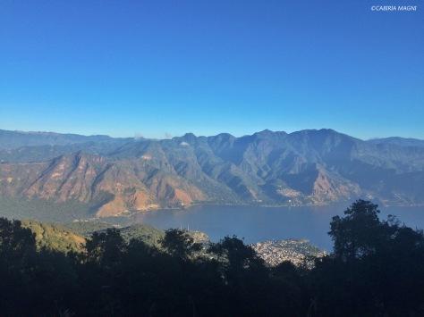 Scorcio del lago Atitlan dal vulcano San Pedro. Cabiria Magni, Guatemala
