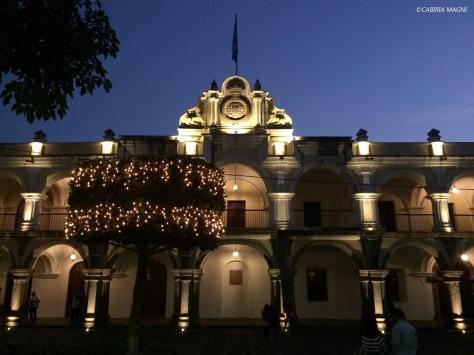 Luz en el Parque Central de Antigua