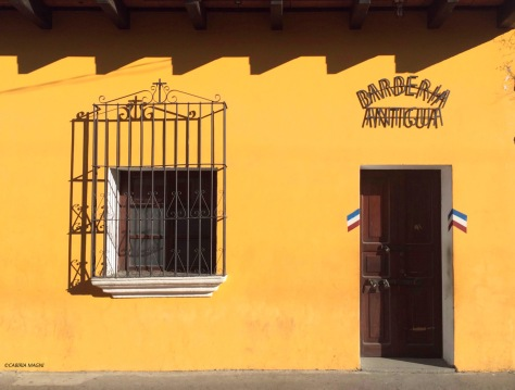 Antigua, Guatemala, barberia. Cabiria Magni