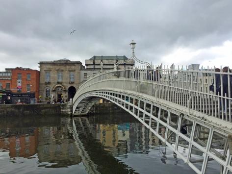 Ha'Penny Bridge, Dublino, Cabiria Magni