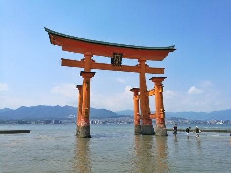 Itsukushima Shrine Miyajima, red torii, Cabiria Magni