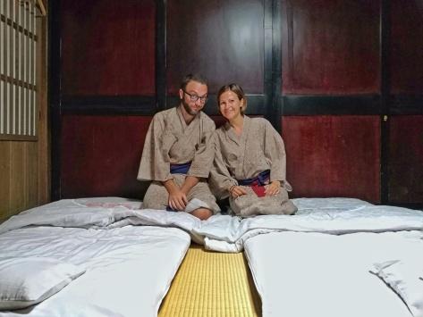 Dormire a Shirakawa-go sul tatami, Giappone, Cabiria Magni