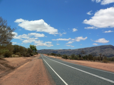 Red Centre on the road. Australia, Cabiria Magni