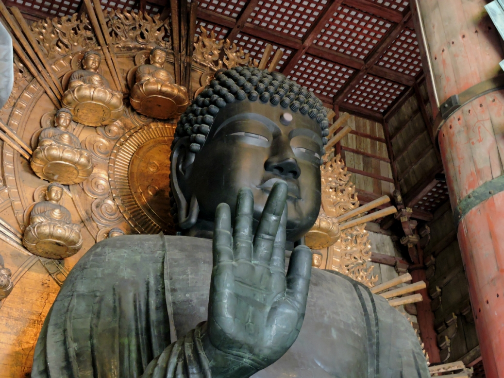 Nara - Todai-ji buddha gigante. Cabiria Magni, Giappone